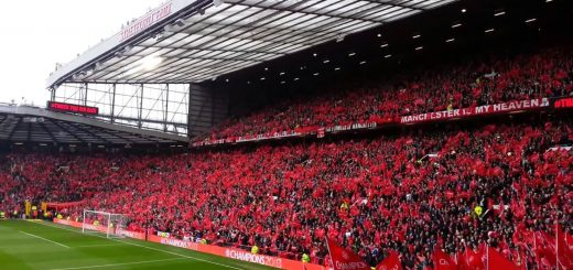 ns Singing - Stretford End Manchester